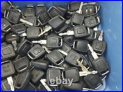 100 x Vauxhall Astra, Vectra, Etc. 2 & 3 Button Key Fobs Job Lot Untested
